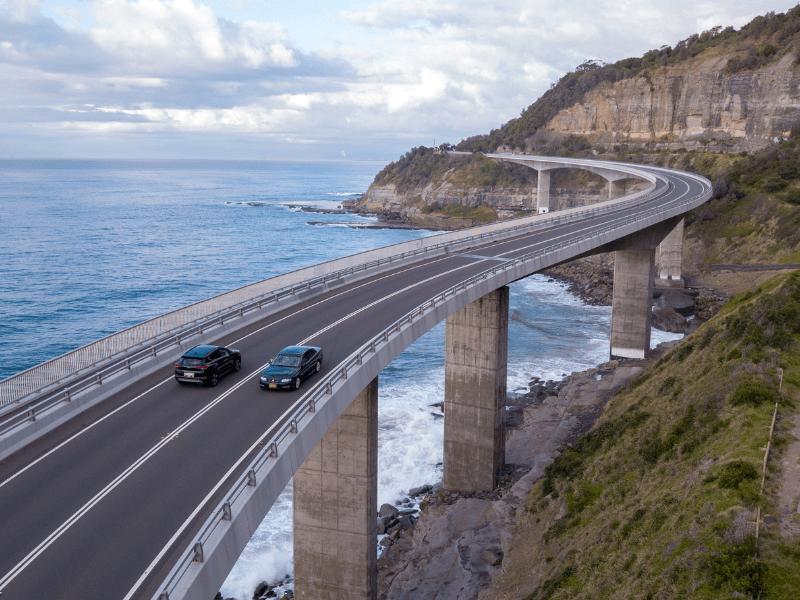 Sea Cliff Bridge. Jarak Sydney ke Melbourne