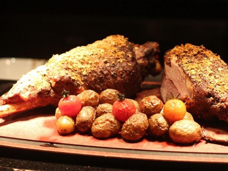 lamb roast makanan khas melbourne