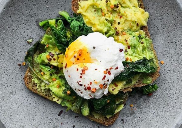 avocado toast makanan khas melbourne